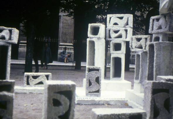 1968 Hommage Martin Luther King, agora de 4 x 4 m aux Jardins du Palais Royal à Paris