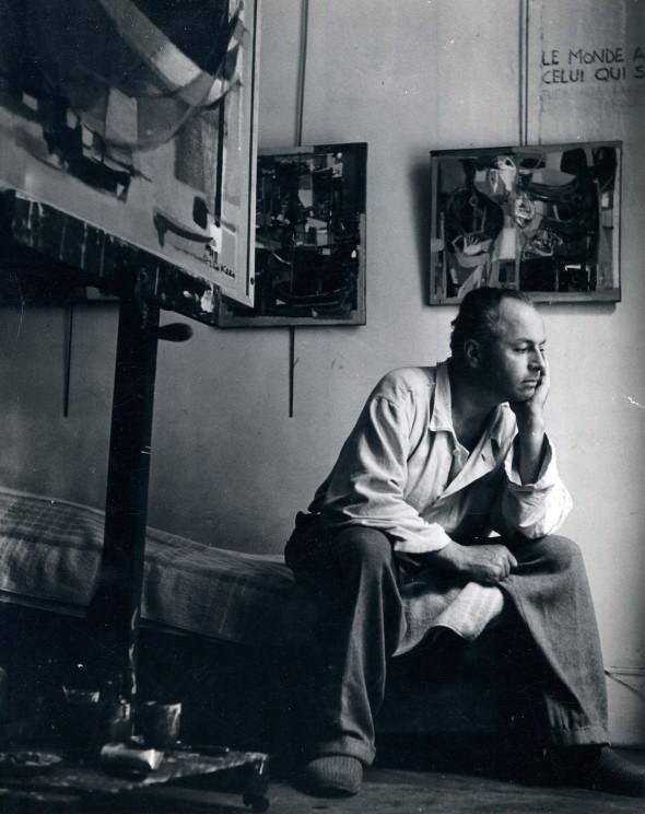 Théo Kerg dans son atelier – Le monde appartient à celui qui se lève tôt