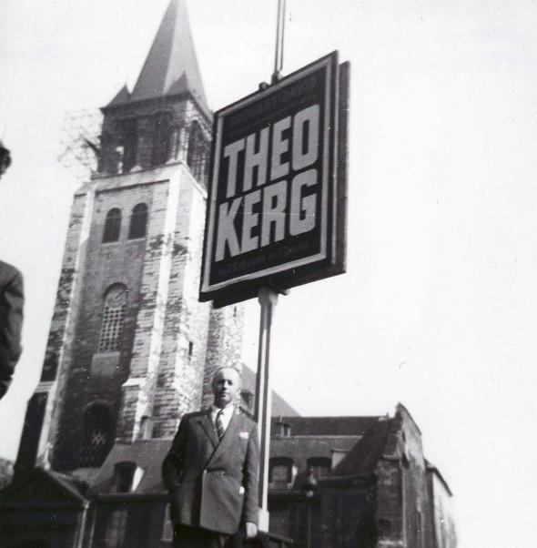 Theo Kerg 1952 à St. Germain des Prés lors de son exposition à la Galerie Drouant-David