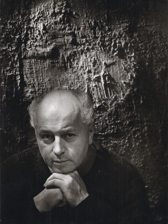 Théo Kerg dans son atelier dans les annéees 60, photo Robert Hauser