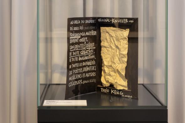 24 – Froissage, au-delà du papier, l'accident est début de toute création (1980)