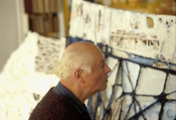 1981 Théo Kerg dans son atelier à Paris