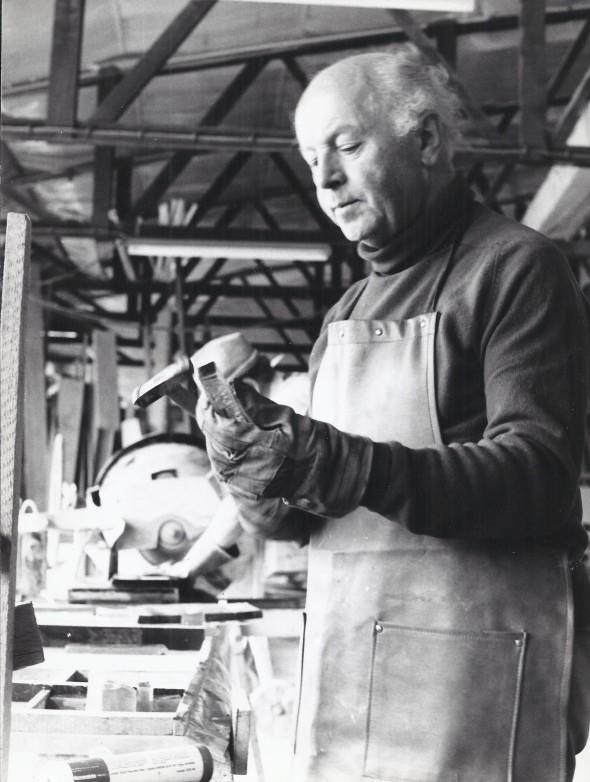 Théo Kerg au travail dans l'atelier Hauck à Maxdorf